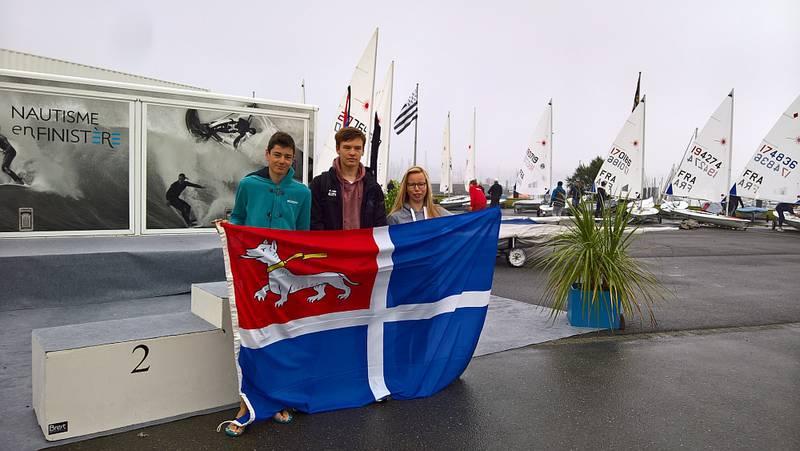 Le trophée des Iles 2017 conservé par les régatiers malouins face aux anglais de Jersey et Guernesey